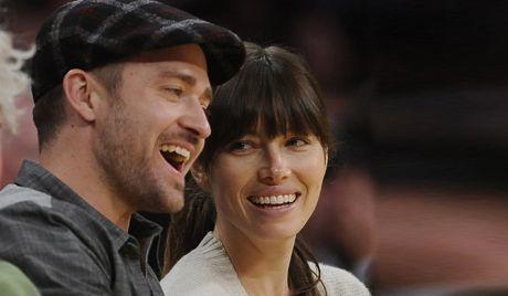 Джессика Бил берет фамилию мужа: она станет Тимберлейк