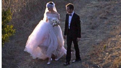 Энн Хэтэуэй вышла замуж: первые фото со свадьбы