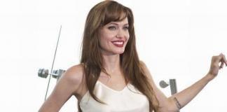 Анджелина Джоли выбрала дизайнера свадебного платья