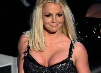 Бритни Спирс обвинили в хранении наркотиков