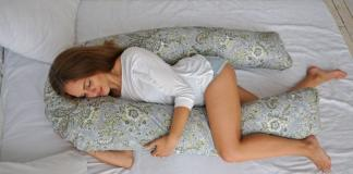 Преимущества холлофайбера перед другими материалами для наполнения подушек для беременных