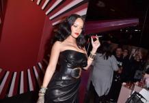 Рианна в кожаном мини-платье презентовала свою коллекцию хайлайтеров (ФОТО)