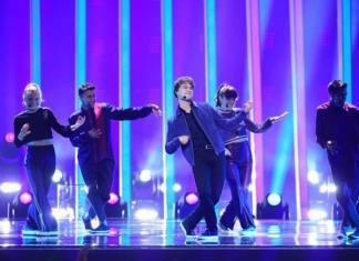 """Александр Рыбак с песней """"That's How You Write A Song"""" выступил в финале Евровидения"""