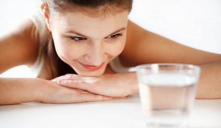 Напитки во время лактации: что можно пить молодой маме