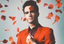 Миллионы разбитых сердец: известный певец сделал каминг-аут
