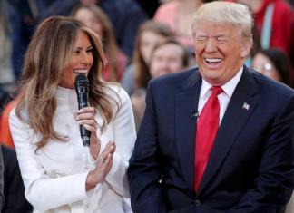 СМИ: родители Мелании Трамп получили гражданство США