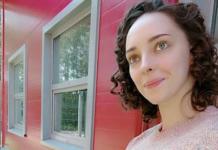 Дочь Алексея Нилова похвасталась беременным животиком