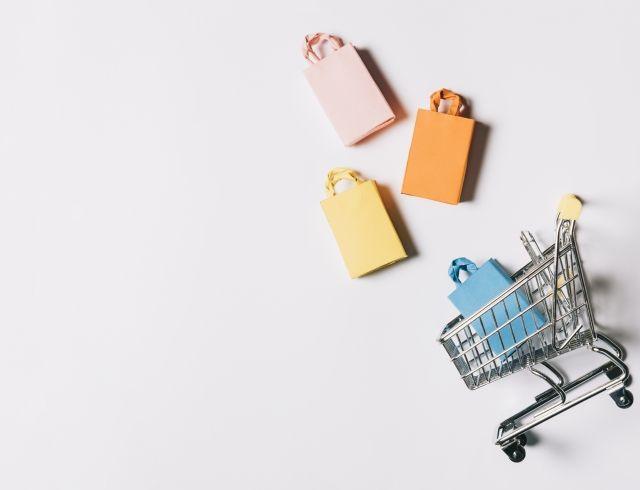 Изучаем маркетинг: почему мы покупаем косметику?