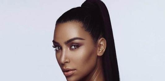 Ким Кардашьян взяла уроки макияжа в морге