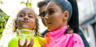 Ким Кардашьян гуляет с детьми по улице Нью-Йорка (ГОЛОСОВАНИЕ)