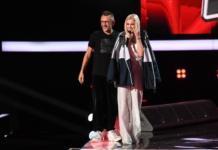 Теперь любит блондинок: Шнуров подарил девушке свою куртку