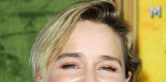 Не узнать: Эмилию Кларк состарила коричневая помада
