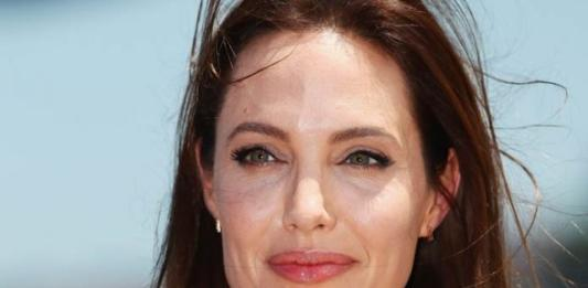 Как обычная мама: Анджелина Джоли пришла поддержать дочь на соревнованиях по карате
