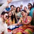 Подруга Меган Маркл вышла замуж: появились новые фото с вечера Сангит перед свадьбой Приянки Чопры