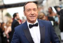 """Кевин Спейси в образе Фрэнка из """"Карточного домика"""" заявил о возвращении в кино"""