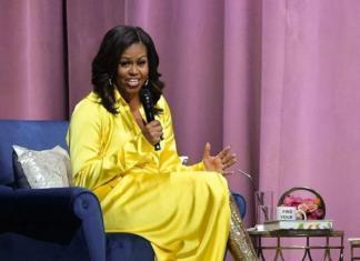 Мишель Обама вышла в свет в сияющих ботфортах от Balenciaga (ФОТО)