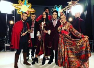 """Украинские звезды поздравили поклонников стильной рэп-версией щедровки """"Добрий вечір"""""""