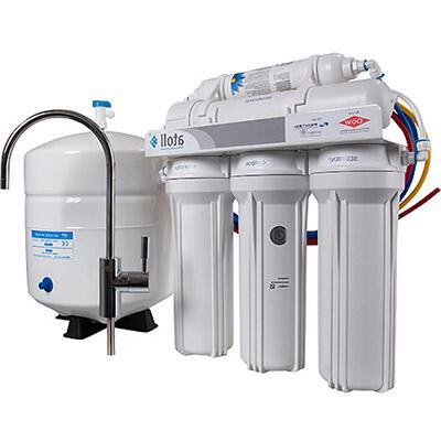 Методы смягчения жесткой воды: проточный фильтр Атолл и системы обратного осмоса Atoll.
