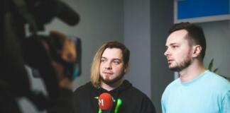 Фронтмен DETACH разделся догола в новом клипе (ВИДЕО 18+)