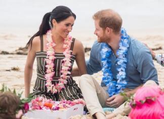 Почему британцы раскритиковали Меган Маркл и принца Гарри за их полет на Ибицу?