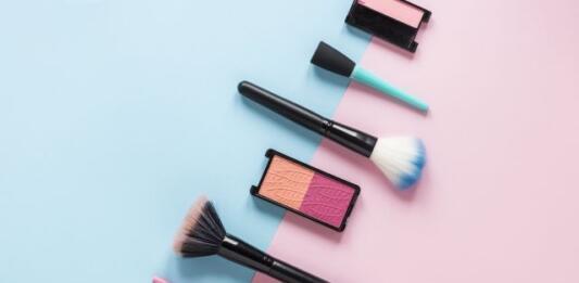 Три модных тренда в макияже, без которых не обойтись