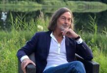 Никас Сафронов попал в аварию, спеша на вечер памяти Аллы Вербер