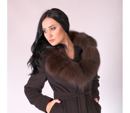 Быть или быть: пальто с меховым воротником