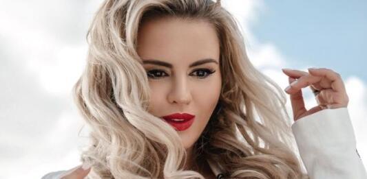Своя ли грудь у Анны Семенович? Певица впервые откровенно рассказала об операции